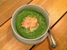 Evas Køkken: Palæo spinat-broccolisuppe med laks