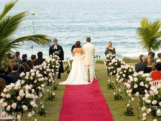 Todo o encantamento de um casamento à beira-mar no Plaza Itapema Resort & SPA. Foto: Edson Beline.
