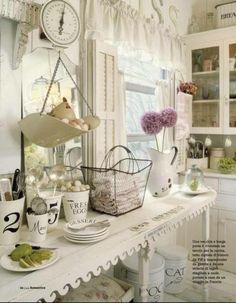 Shabby chic kitchen-makes me want to redo my whole kitchen!