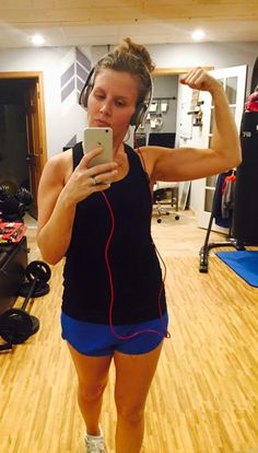 This little lady gots biceps  #watchout #plyo #gunshow #crushinggoals