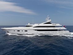 An exciting addition to the Burgess charter fleet for this summer, the 55.4m (181.9ft) superyacht TURQUOISE was recently unveiled to display a dramatically new look following an extensive refit incorporating a re-designed interior and sun deck by award-winning H2 Yacht Design.
