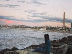 Troppe bocche parlano d'amore.  Pochi cuori amano sinceramente!  #rimini #vscocam #canon_photos #sunset #sky #clouds #landscape_captures #italianplaces #likeforlike #like4like by monica.cafaro