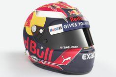 Max Verstappen, Red Bull Racing at 2017 drivers helmets High-Res Professional Motorsports Photography Racing Helmets, F1 Racing, Motorcycle Helmets, F1 2017, Enduro, Formula 1 Car, Red Bull Racing, Helmet Design, F1 Drivers