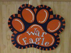 War Eagle paw print door hanger Bright Front Doors, Unique Front Doors, Wooden Front Doors, Wooden Door Hangers, Front Door Lighting, Front Door Decor, Diy Sliding Door, Diy Door, Old Barn Doors