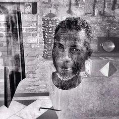 Foto: Moracy Oliveira – Eustáquio Neves em sua casa, Diamantina, abril de 2014