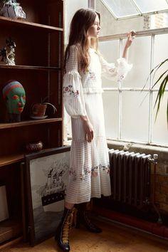 Vilshenko  #VogueRussia #resort #springsummer2018 #Vilshenko #VogueCollections