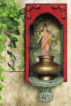 Ethnic Home Decor, Indian Home Decor, Antique Decor, Vintage Home Decor, Decoration, Art Decor, Indian Inspired Decor, Brass Pot, Clay Wall Art