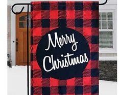 Adorable Snowman Garden Flag or Door Hanger.Perfect this holiday season. Christmas Garden Flag, Plaid Christmas, Christmas Tree, Garden Flag Stand, Garden Flags, Burlap Flag, Thing 1, Garden Trees, Winter Garden