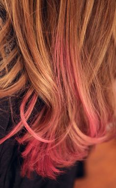 """Orly Shani tries out the """"dip-dye"""" trend herself, adding a touch of hot pink to the ends of her hair!"""