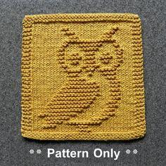 Owl Knit Dishcloth Pattern To Make Dishcloths Wash Cloths Baby ~ eule stricken geschirrtuch muster, um geschirrtücher waschlappen baby zu machen ~ motif de torchon en tricot de hibou pour faire des débarbouillettes bébé Knitted Squares Pattern, Owl Knitting Pattern, Knitted Dishcloth Patterns Free, Knitting Squares, Knitted Washcloths, Knitted Baby Blankets, Knitting Patterns Free, Knit Blanket Squares, Crochet Afghans