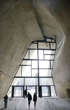 Poland Jewish Museum Not the windows, but love the formed concrete Concrete Architecture, Museum Architecture, Urban Architecture, Contemporary Architecture, Architecture Details, Warsaw Museum, Jewish Museum, Jewish History, New Museum