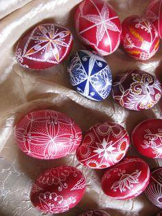 Bulgarian easter eggs Egg Decorating, Bulgarian, Happy Easter, Easter Eggs, Spring, Red, Easter Activities, Happy Easter Day, Bulgarian Language