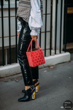 Irina Lakicevic by STYLEDUMONDE Street Style Fashion Photography NY FW18 20180216_48A8236