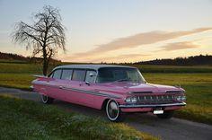 Cadillac von Oldtimervermietung Rent A Classic Car mieten Cadillac, Classic Cars, Pink, Autos, Classic Auto, Switzerland, Vintage Classic Cars, Classic Trucks