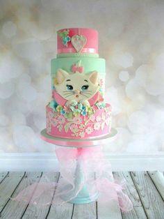 Kitten cake is adorable. Pretty Cakes, Beautiful Cakes, Amazing Cakes, Kitten Cake, Rodjendanske Torte, Birthday Cake Girls, Cat Birthday, Birthday Cakes, Happy Birthday