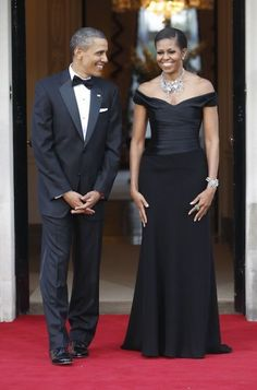 President Barack Obama and First Lady Michelle Obama wait to welcome Britain's Queen Elizabeth II and Prince Philip for a reciprocal dinner at Winfield House in London, Wednesday, May Wearing Ralph Lauren. Michelle Und Barack Obama, Michelle Obama Fashion, Barack Obama Family, Obama President, First Ladies, First Black President, Black Presidents, Before Us, Black Love