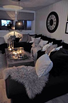Love all the pillows