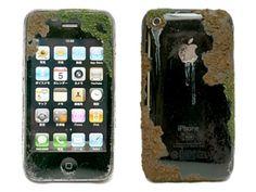 100 χρόνια μετά/ Τότε, να τα δω τα γκατζετάκια σου. Ειδικά αυτό, το πανάκριβό σου iPhone!