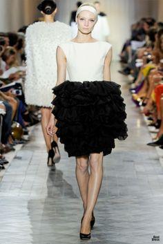 Giambattista Valli HOUTE COUTURE SPRING/SUMMER 2011/2012 High Fashion Haute Couture Giambattista Valli