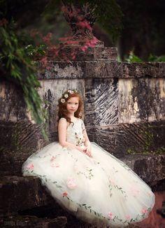 'Secret Garden' Couture Flower Girl Dress / http://www.deerpearlflowers.com/flower-girl-dresses-shops/4/