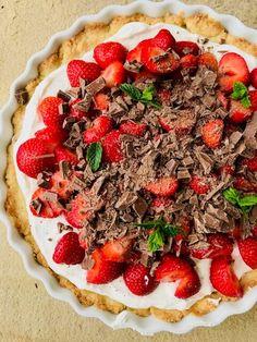nem og lækker jordbærtærte Vegetable Pizza, Vegetables, Tarts, Foodies, Mince Pies, Pies, Veggie Food, Vegetable Recipes, Tart