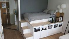 In deze Ikea hack laten we je zien hoe je in zes uur tijd een handig bed met extra opbergruimte maakt. Ideaal voor een klein appartement of studio!