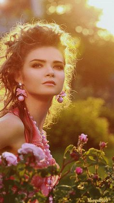 Fatal Gift of Beauty Gorgeous Redhead, Beautiful Gif, Beautiful Flowers, Beautiful Pictures, Beautiful Women, Beautiful Morning, Photo Zen, Photo D Art, Gif Animated Images