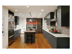 Elements of Style, Black and White Kitchen