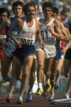 """""""A lot of people run a race to see who is fastest. I run to see who has the most guts, who can punish himself into exhausting pace, and then at the end, punish himself even more.""""    - Steve Prefontaine"""