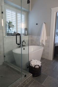 Small bathroom design with bathtub small bathroom remodel ideas with bathtub master bathroom remodel shower free . small bathroom design with bathtub Bathroom Inspiration, Shower Remodel, Bathroom Remodel Shower, Bathrooms Remodel, Bathroom Makeover, Small Bathroom With Shower, Free Standing Bath Tub, Small Remodel, Bathroom Renovations