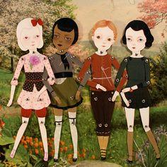 É: Amy Earles y las muñecas pretty paper dolls