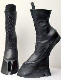 Misanthropic Messiah — horseking-design: SATYR hoof boots Ankle high… Source by MorsMgnMtr Hoof Shoes, Shoe Boots, High Ankle Boots, Black Boots, High Heels, Cosplay Diy, Cosplay Costumes, Gothic Fashion, Dark Fashion