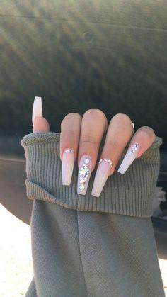 Acrylic Nails Coffin Short, White Acrylic Nails, Square Acrylic Nails, Long White Nails, Red And White Nails, Natural Acrylic Nails, White Glitter Nails, Coffin Acrylics, White Coffin Nails