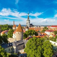 Aerial View of Tallinn Old Town in a beautiful summer day, Estonia Weekender, Hastings Old Town, New York City, Best Winter Destinations, Prague Old Town, Backpack Through Europe, Dubrovnik Old Town, Budapest Things To Do In, Travel Destinations