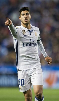 6a8de730d81 Marco Asensio Willemsen is a Spanish professional footballer who plays as  an attacking midfielder for Real