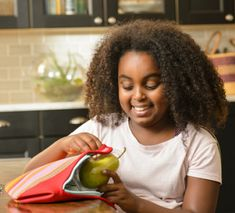 Fruit and veggies are an integral part of children's diets. Learn about the benefits of pears for kids and explore resources for parents and teachers here. Pear Recipes, Fruit Recipes, Baby Food Recipes, Whole Food Recipes, Pear Nutrition, Kids Nutrition, Nutrition Tips, Healthy Fruit Snacks, Healthy Snack Options
