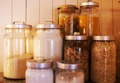 Food Storage Tips  http://recipes.howstuffworks.com/tools-and-techniques/food-storage-tips.htm