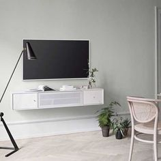 Montana storage for hifi and TV accessories #montanafurniture #tv #madeindenmark #nordichome #danishdesign #tvroom #livingroom #montana