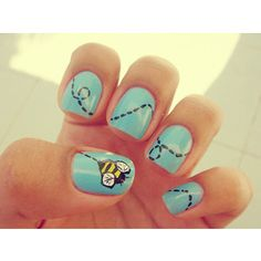 I wish i had enough patience and skill to do some of these nail designs. But this bumble bee design is adorable. :)