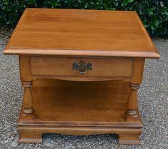 Maple end table really nice. Ethan Allen.