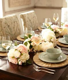 Flower arrangement for your dining table