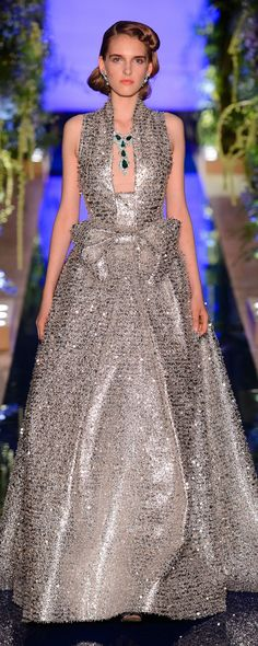 Guo Pei Fall-winter 2017-2018 - Couture - http://www.orientpalms.com/Guo-Pei-6794 - ©ImaxTree