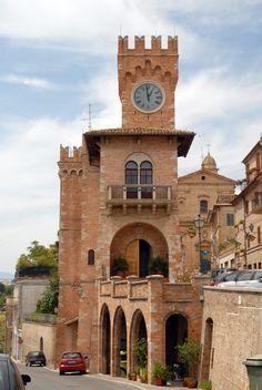 Palazzo Comunale, Fermo, Marche, Italia