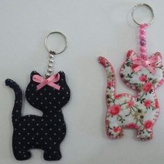 Porte-clés en feutre - Porte-clés en feutre Les images impressionnantes de diy home decor que l'on propose pour vous Une - Sewing Hacks, Sewing Crafts, Sewing Projects, Cat Crafts, Crafts To Make, Felt Patterns, Sewing Patterns, Felt Keychain, Felt Cat