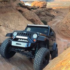 ❤️ #sandhollow #flogindustries #nitto #teraflex #fuelwheels #jeepher #jeep by @dirtydurbin