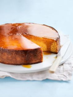 Whole Orange Cake! New to baking? This sweet and nutty dessert is the perfect way to start and an instant crowd-pleaser! Orange Recipes, Almond Recipes, Baking Recipes, Cake Recipes, Dessert Recipes, Desserts, Yummy Recipes, Flourless Orange Cake, Flourless Cake