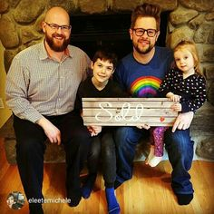 Tip: When you take your picture of your clients with our testimonial props, be sure to send them the picture as well so they can share it on their social media, telling everyone about their new home and their awesome realtor!  Repost from @eleetemichele Welcome home Jason, Sean, CJ and Presley!