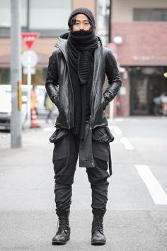Hard in Hightown the Re-punchening, Devoa Cow Leather Hooded Jacket. Moda Cyberpunk, Cyberpunk Fashion, Dystopian Fashion, Dark Fashion, Urban Fashion, Men's Fashion, Moda Streetwear, Streetwear Fashion, Mode Masculine