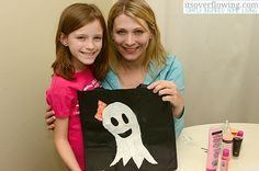 Trick or Treat Bags for Halloween, Kid's Craft @Its_Overflowing