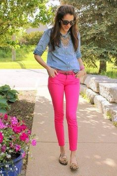 25 Trendy how to wear pink pants outfits skinny jeans Pink Pants Outfit, Hot Pink Pants, Pink Jeans, Red Pants, Navy Jeans, Looks Chic, Looks Style, My Style, Preppy Mode